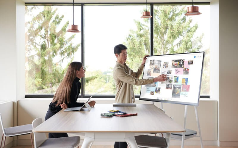 Surface Hub 2S in meeting use